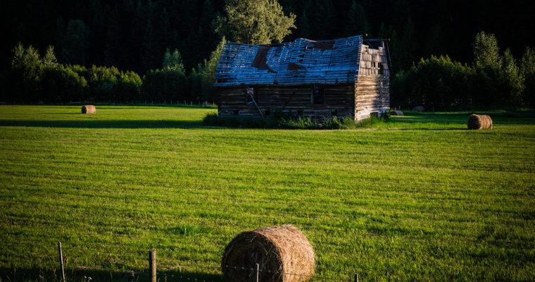 Old Barn On Highway 33